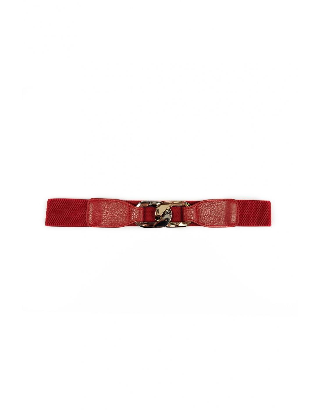 Cinturón rojo con detalles metálico en dorado. Parte de atrás elástica y cierre con gancho.