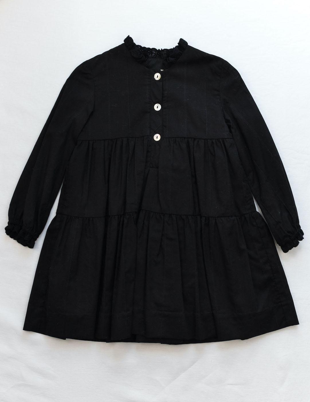 Vestido negro para niña de Mia y Lia