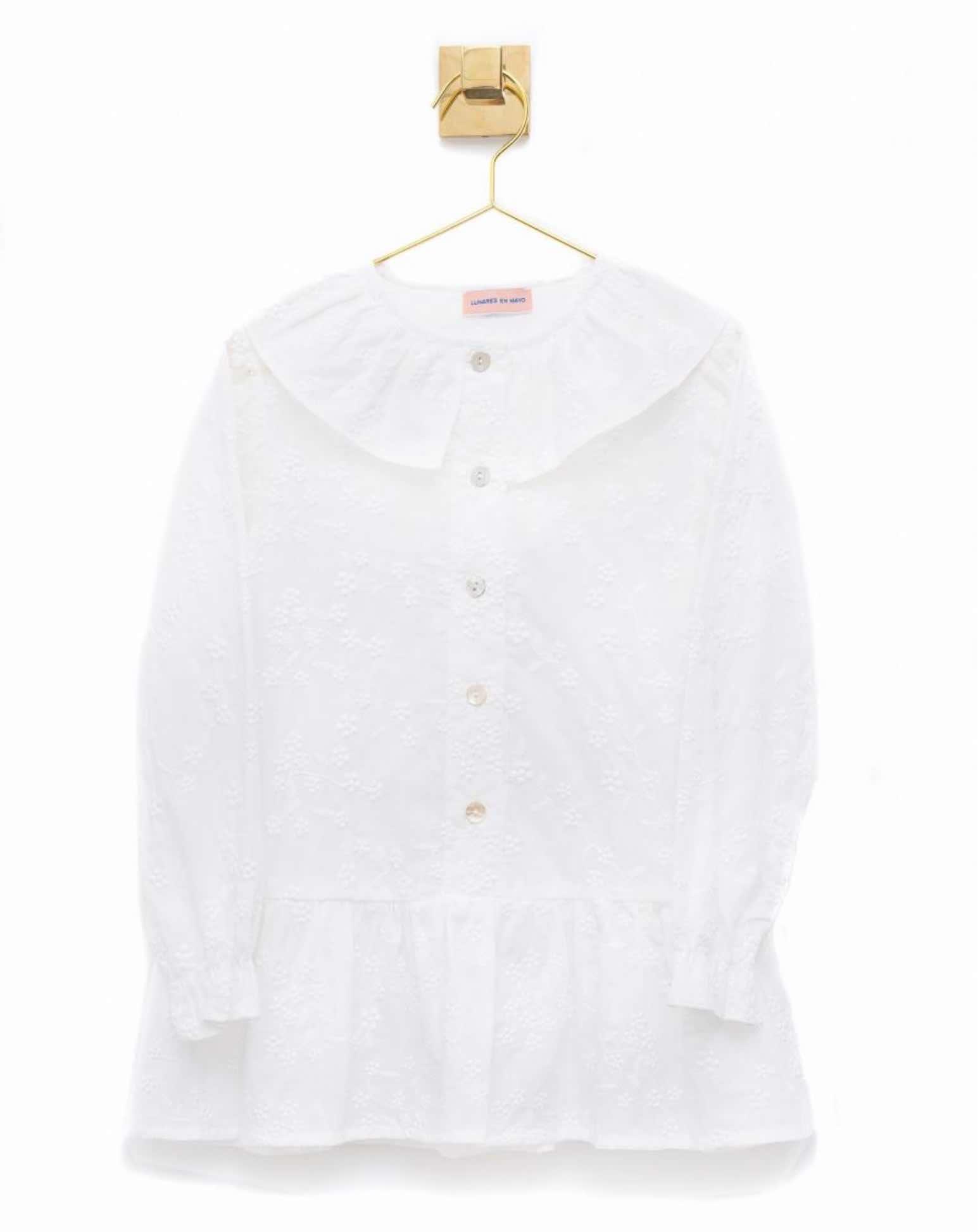 Blusón infantil bordado en color crudo de Lunares en Mayo