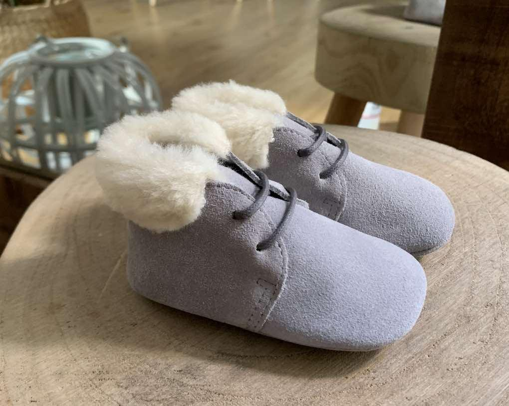 Botita bebe ante de color gris