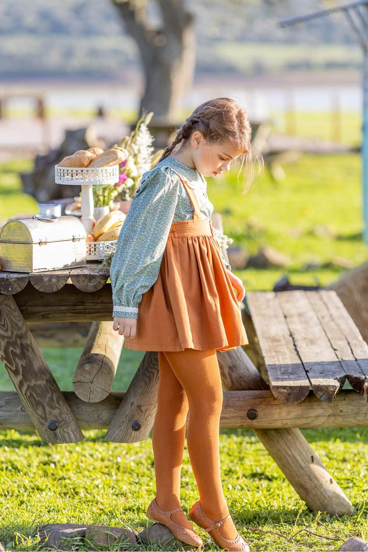 Falda con tiro alto en color Canela de Mi Canesú
