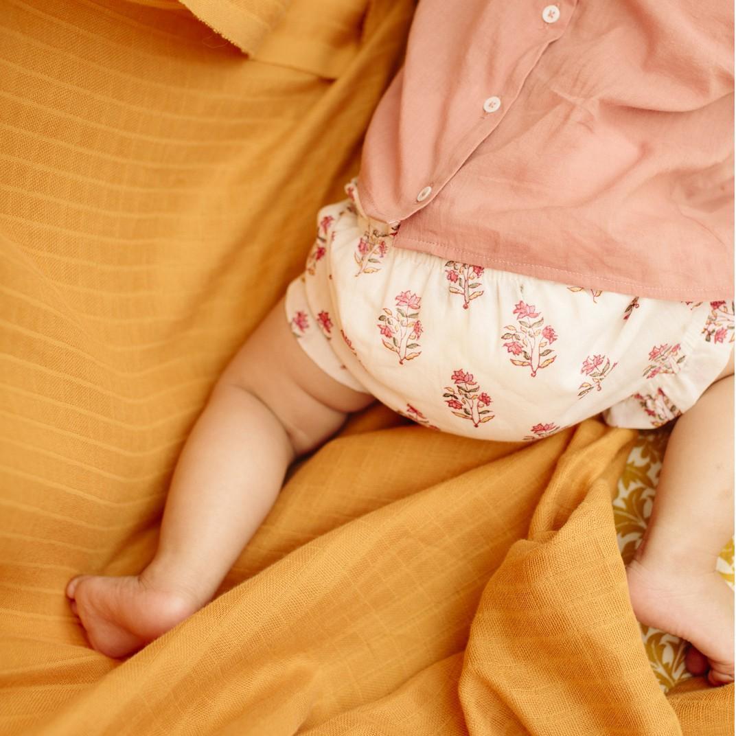Braga para bebé con estampado flores de Emile et Ida
