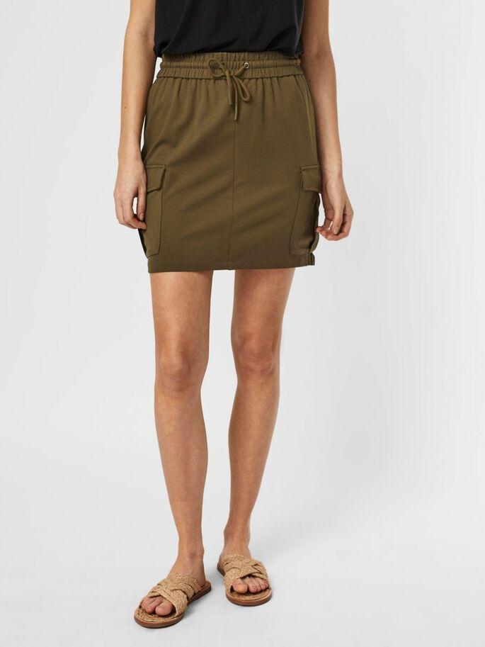 Falda verde con bolsillos laterales