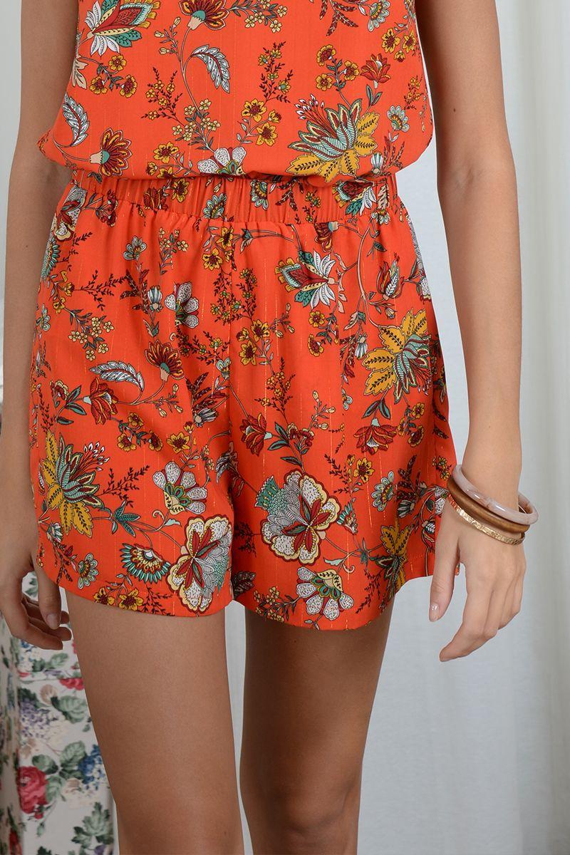 Short corto con efecto falda con estampado de flores
