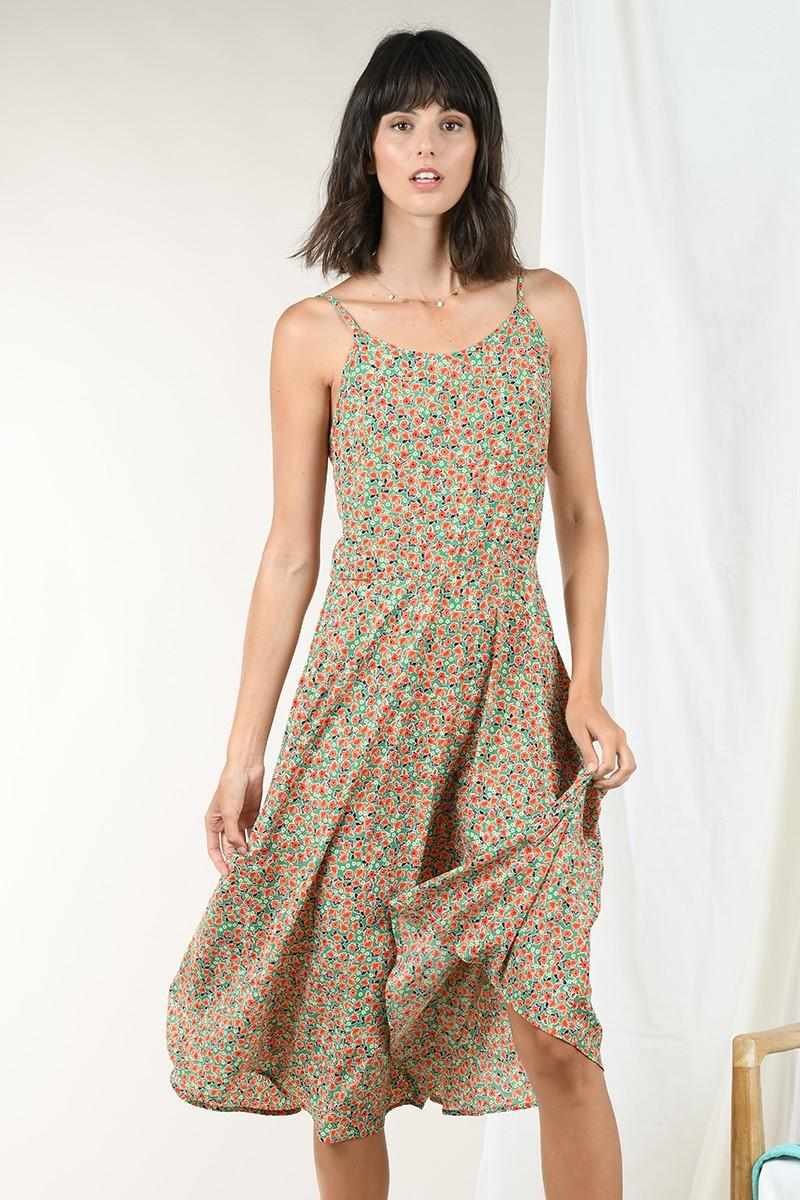 vestido de tirantes finos y ajustables y estampado floral