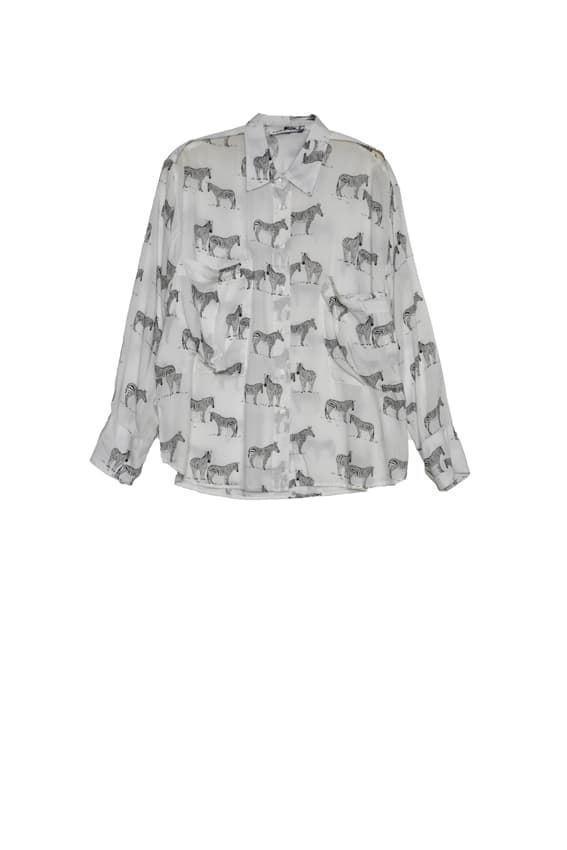 camisa de manga larga con cebras