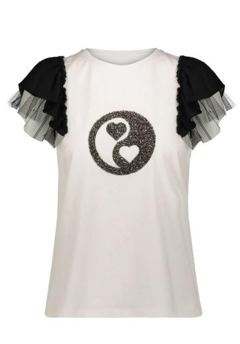 camiseta con diseño de purpurina y mangas de tul
