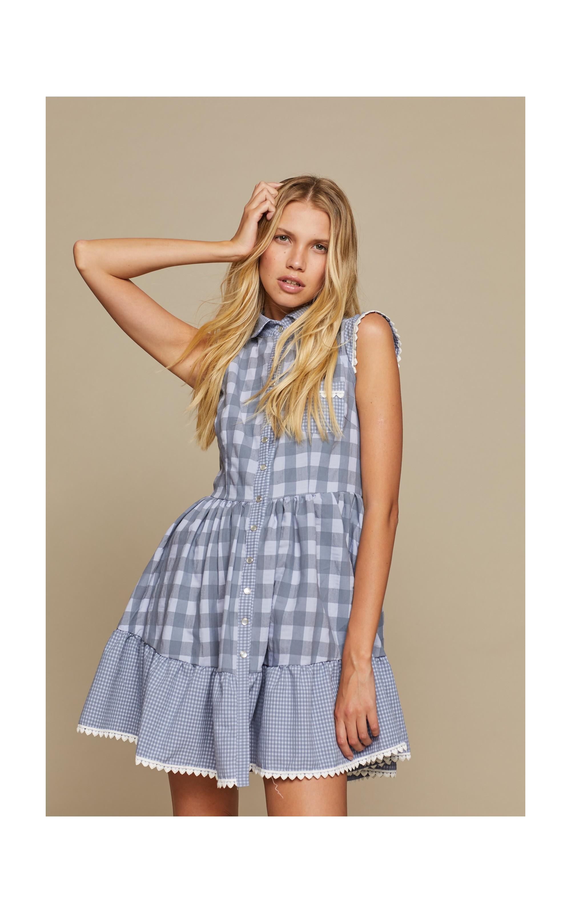 vestido corto estampado de cuadros y cuello solapa
