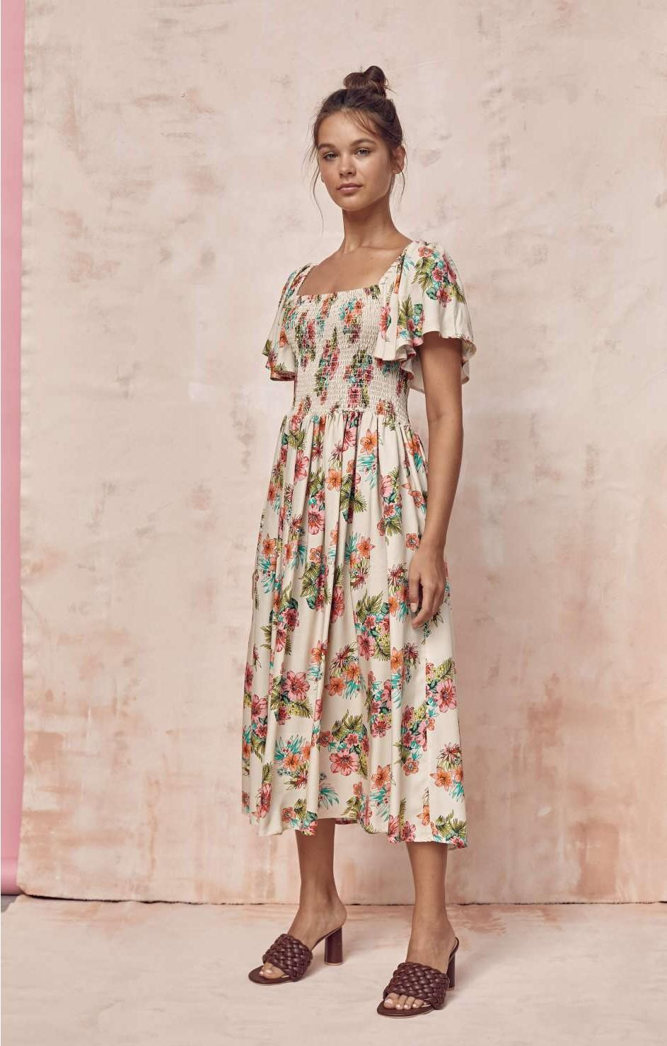 Vestido de manga corta y estampado de flores