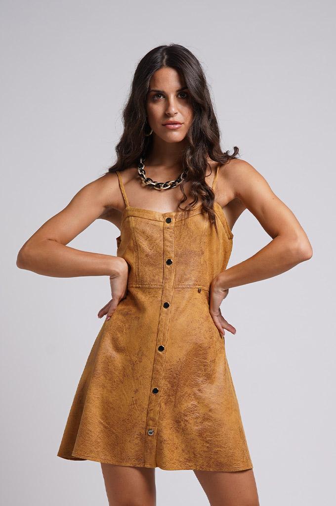 Vestido de tirantes de piel sintética