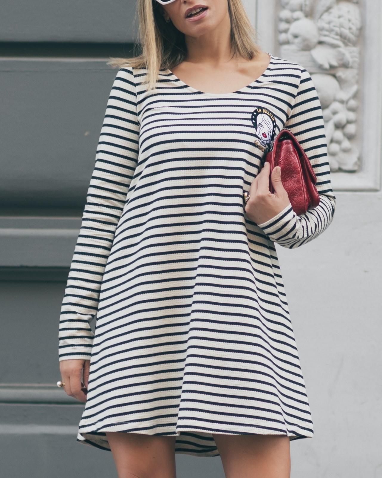 Vestido raya azul marino tejido rib 92% algodón 8% elastano corte evasé